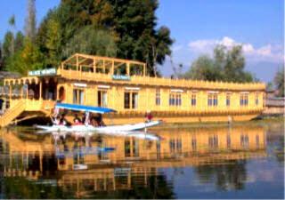 Unique House boats Kashmir.deluxe.houseboat.nagin.lake.kashmir.india